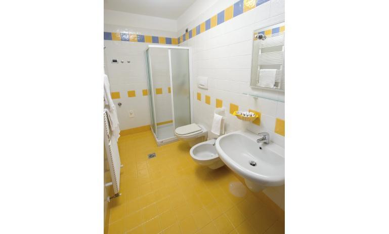 residence BOSCO CANORO: bagno (esempio)