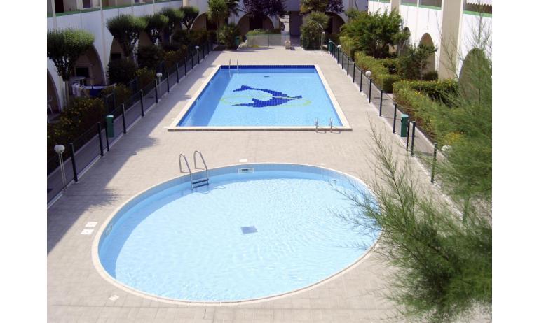 residence LIA: piscina