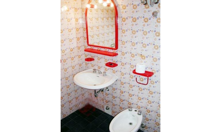 appartamenti BILOBA: bagno (esempio)