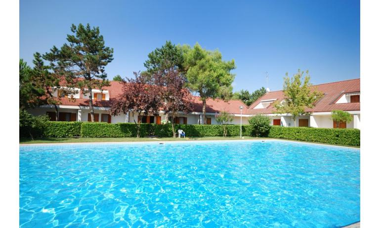 villaggio ACERI: piscina
