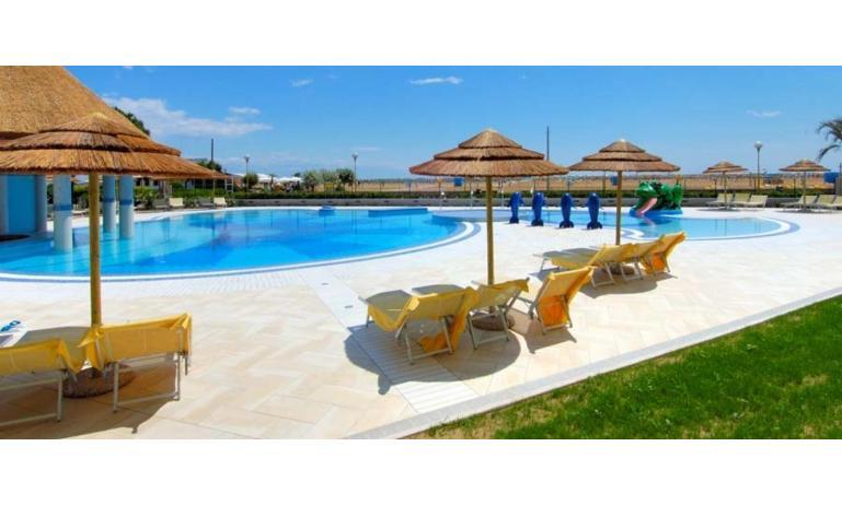 aparthotel ASHANTI: piscina