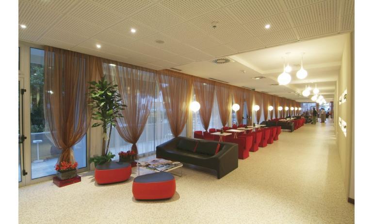 hotel BIBIONE PALACE: sala lettura