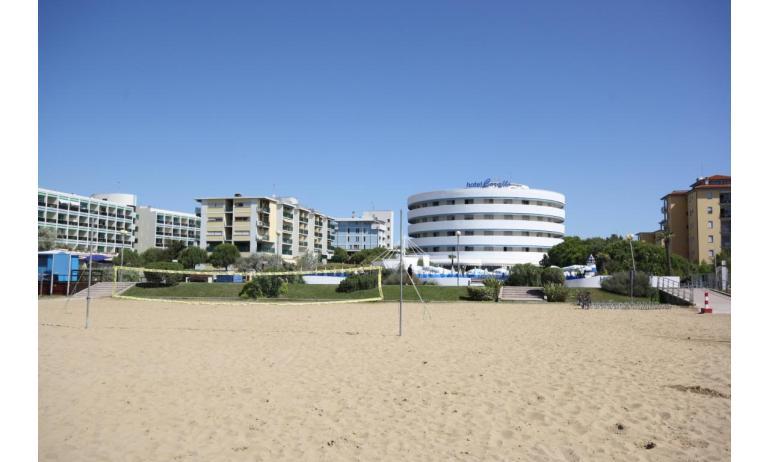 hotel CORALLO: esterno dalla spiaggia