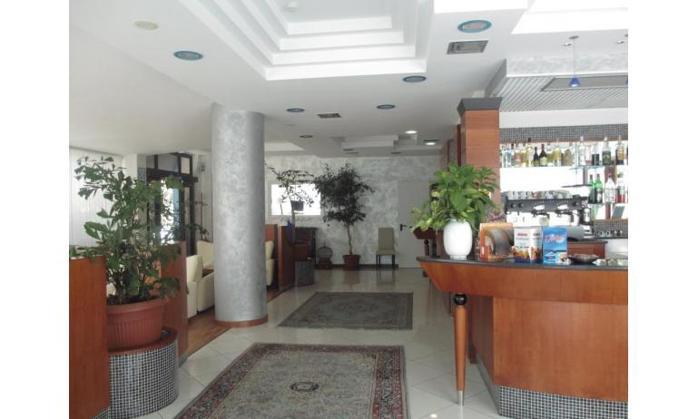 hotel ALEMAGNA: bar della hall