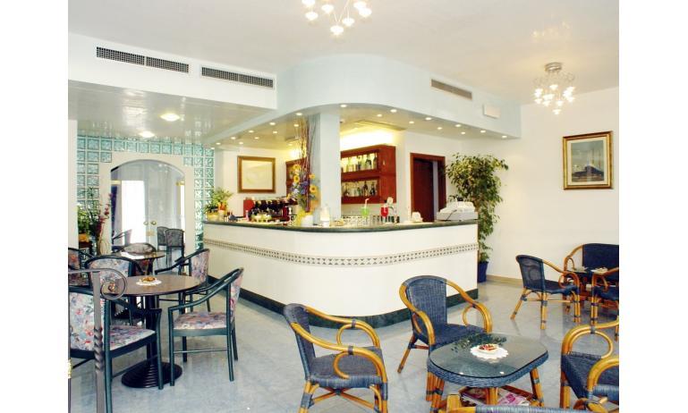 hotel BELLEVUE: hall
