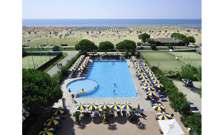 hotel BELLEVUE: piscina
