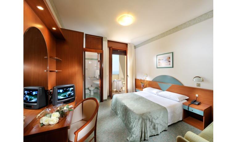 hotel EXCELSIOR: camera (esempio)