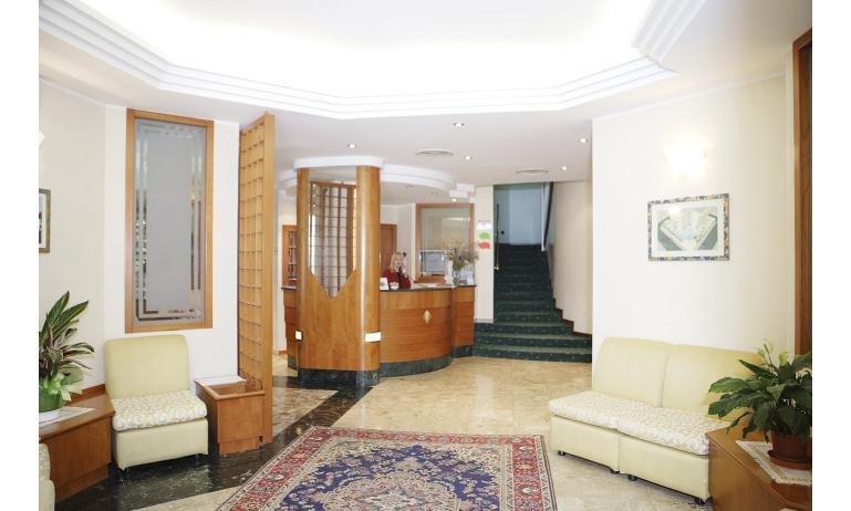 hotel GRAN VENERE BEACH: hall