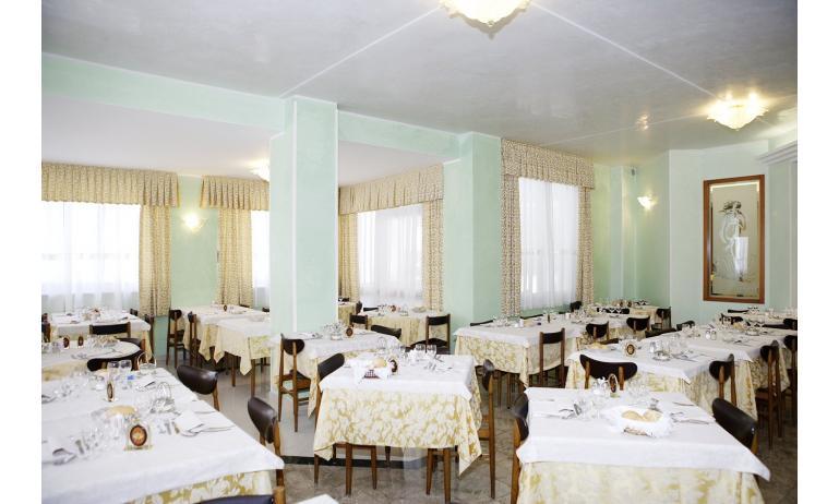 hotel GRAN VENERE BEACH: ristorante