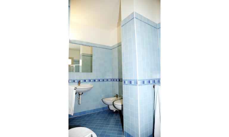 hotel GRAN VENERE BEACH: bagno (esempio)