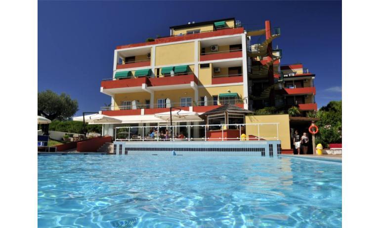 hotel BEMBO: esterno hotel