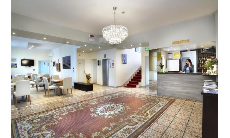 hotel GOLF: hall