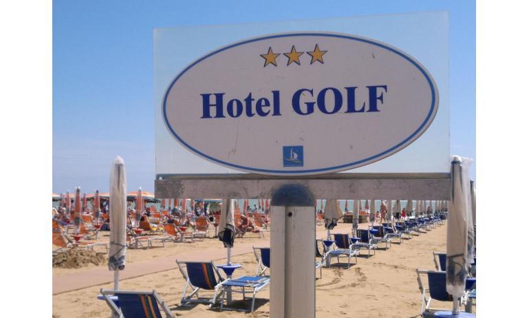 hotel GOLF: private beach