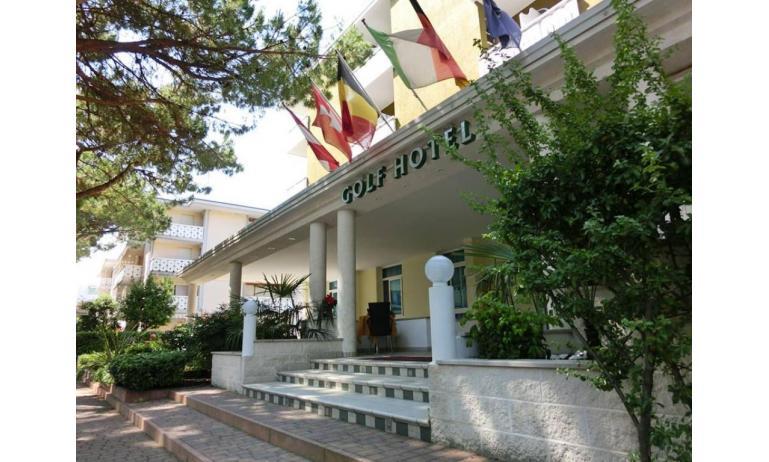 hotel GOLF: external view