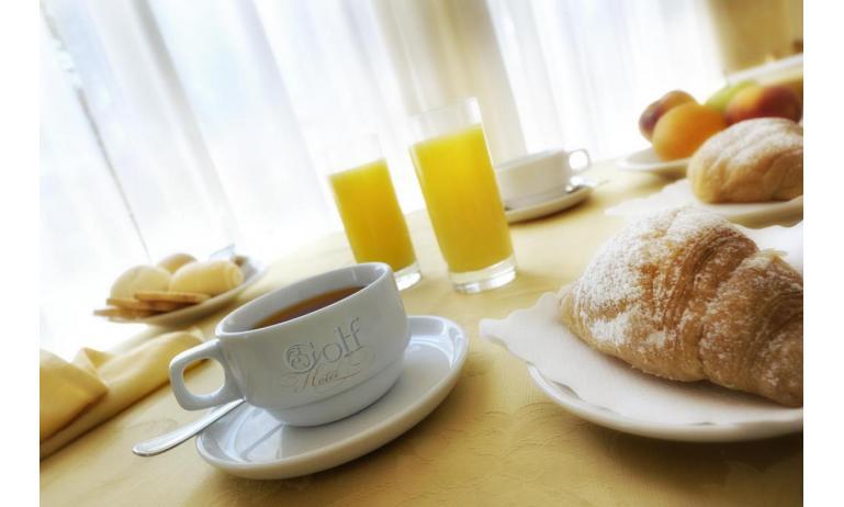 hotel GOLF: breakfast