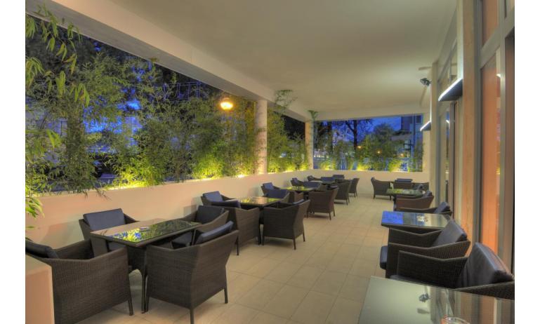 hotel FIRENZE: veranda (esempio)