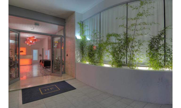 hotel FIRENZE: bejárat