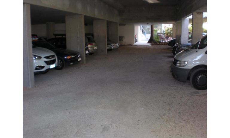 hotel FIRENZE: parcheggio