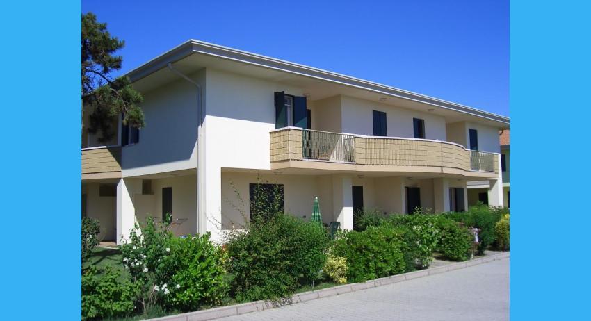 petite maison sur deux niveaux (exemple)
