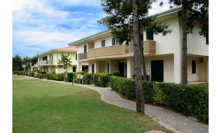 residence LIDO DEL SOLE: esterno villetta (esempio)