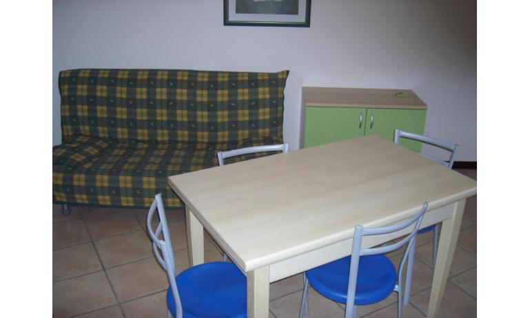 Residence GIRASOLI: B5 - Doppelschlafcouch (Beispiel)
