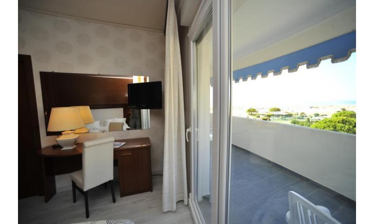 hotel CORALLO: Comfort - balcone (esempio)
