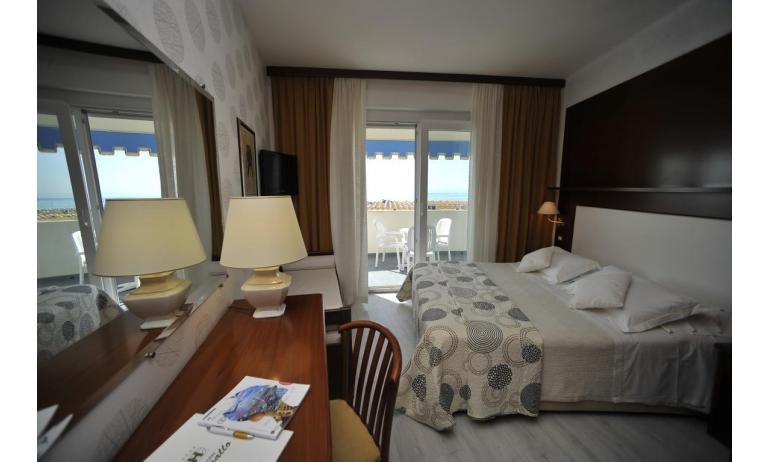 hotel CORALLO: Superior - letto matrimoniale (esempio)