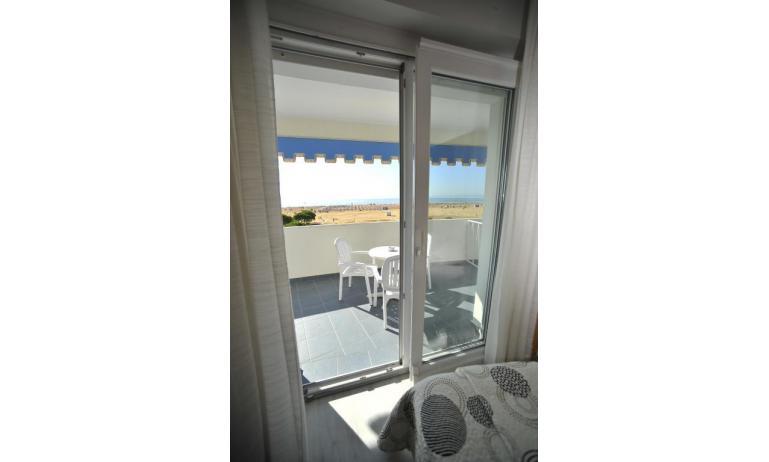 hotel CORALLO: Superior - balcone con vista (esempio)