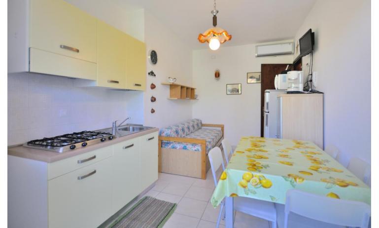 appartament VILLAGGIO TIVOLI: B5 - coin cuisine (exemple)