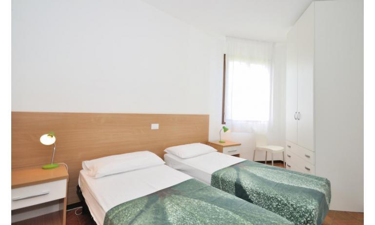 appartament VILLAGGIO TIVOLI: C6 - chambre avec deux lits (exemple)