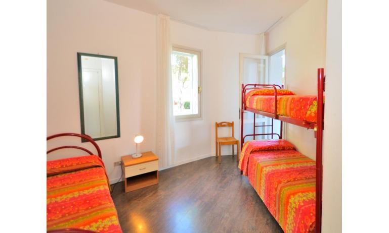 appartament VILLAGGIO TIVOLI: C7 - chambre à 3 lits (exemple)