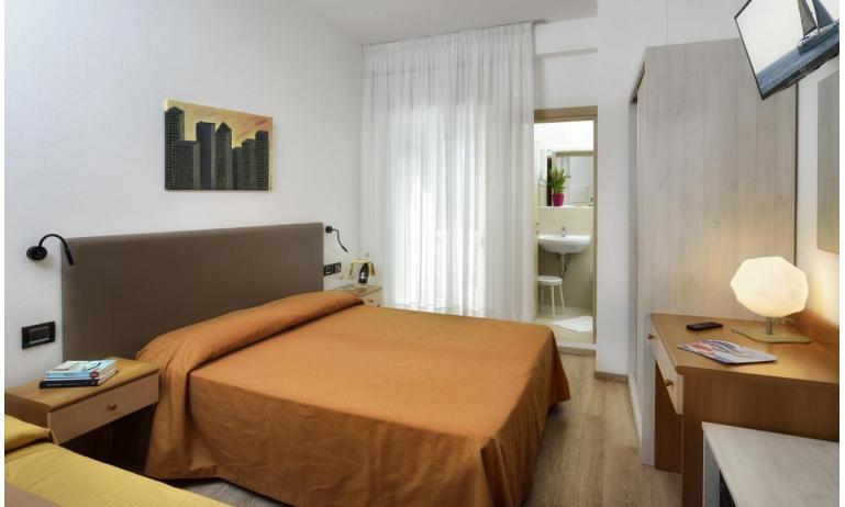 hotel GOLF: Star - renewed bedroom (example)