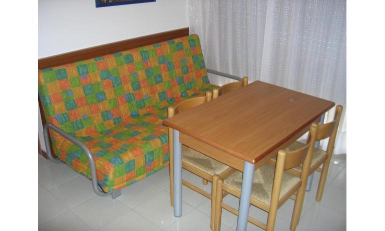 appartamenti CASTELLO: B4 - divano letto doppio (esempio)