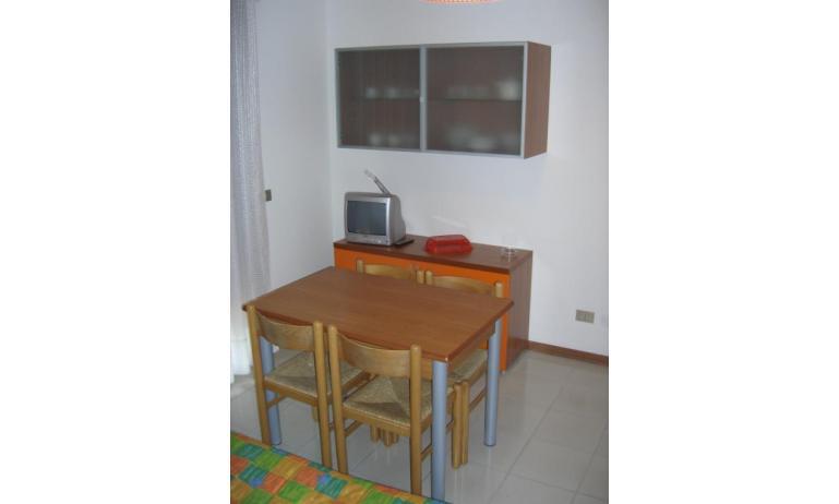 appartamenti CASTELLO: B4 - soggiorno (esempio)