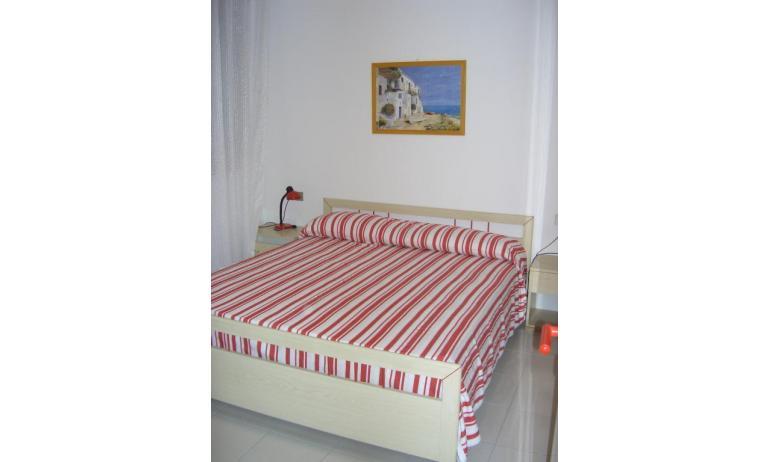 appartamenti CASTELLO: B4 - camera matrimoniale (esempio)