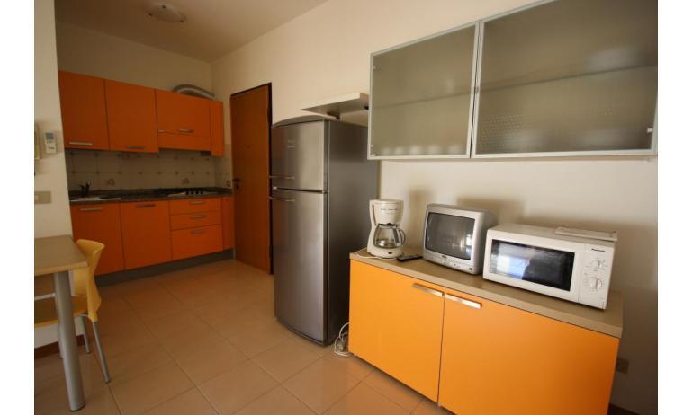 appartamenti CAMPIELLO: C6 - cucina (esempio)