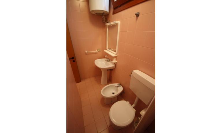 appartamenti CAMPIELLO: C6 - bagno (esempio)
