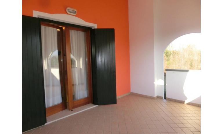 residence LEOPARDI: D8 - terrazzo (esempio)