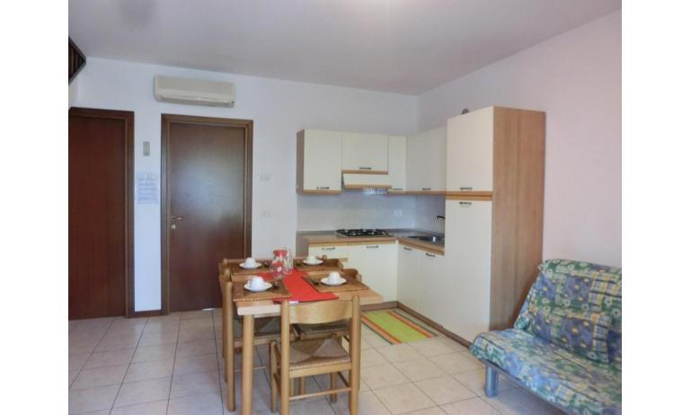 residence LEOPARDI: D8 - angolo cottura (esempio)