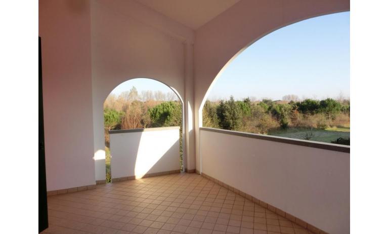 residence LEOPARDI: D8 - terrazzo al primo piano (esempio)