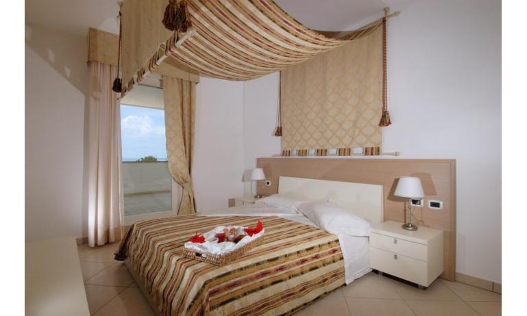 aparthotel ASHANTI: C5 Suite - camera matrimoniale (esempio)