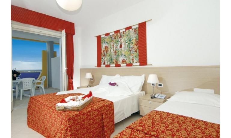 aparthotel ASHANTI: C6 Suite - camera piano attico (esempio)