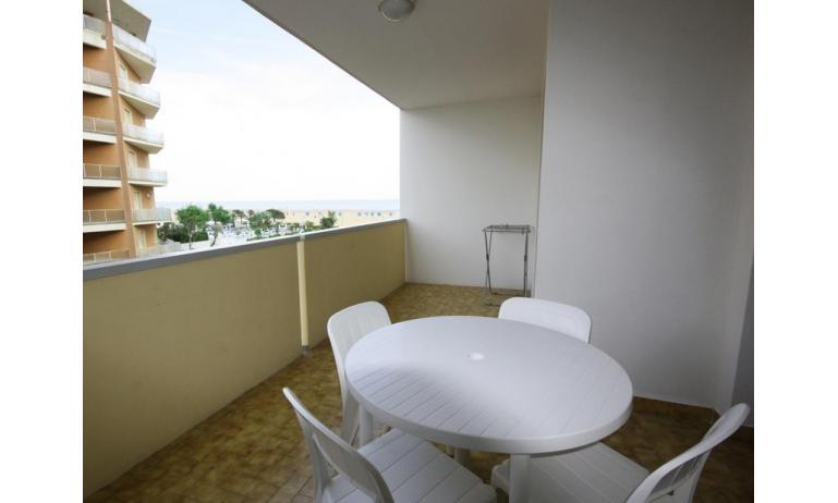 residence ITACA: B6* - terrazzo (esempio)