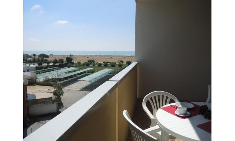 residence ITACA: B6* - balcone vista mare (esempio)