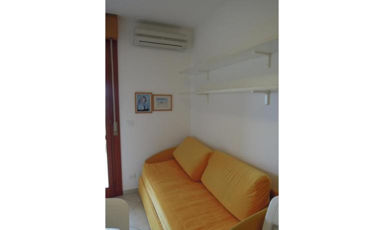 residence ITACA: B6* - divano letto doppio (esempio)