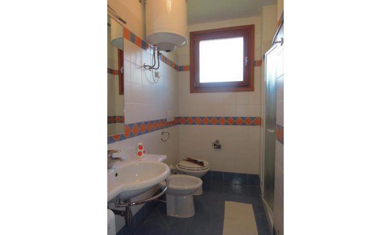 residence TULIPANO: D8 - bagno con box doccia (esempio)
