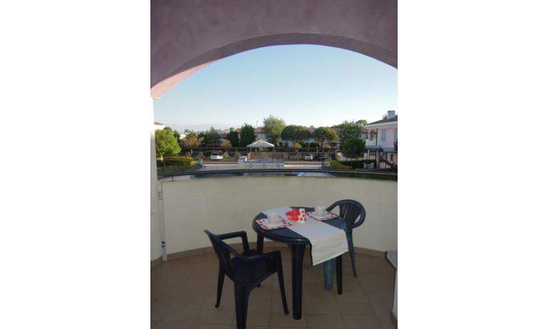 residence TULIPANO: D8 - balcone con vista (esempio)