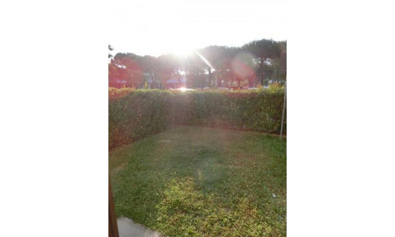residence LIA: D7 - giardino (esempio)