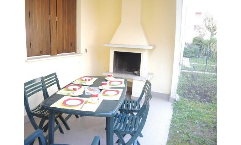 residence LIA: D7 - caminetto esterno (esempio)
