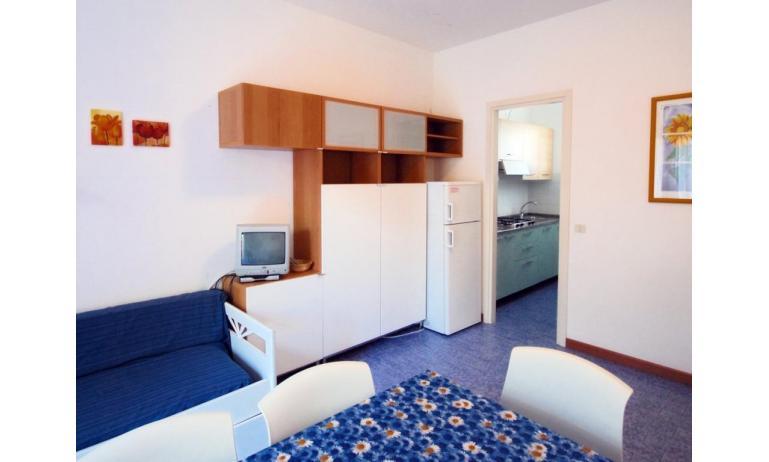 appartamenti VILLAGGIO MICHELANGELO: C6 - soggiorno (esempio)